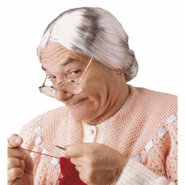 Grijze grootmoeder pruik met knotje