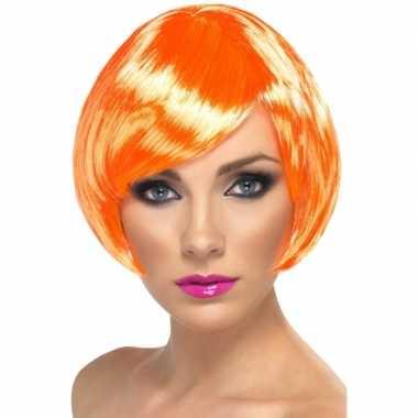 Oranje pruik met hippe boblijne