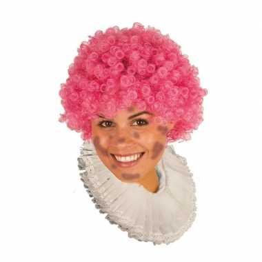Zwarte roetveeg pieten pruik roze
